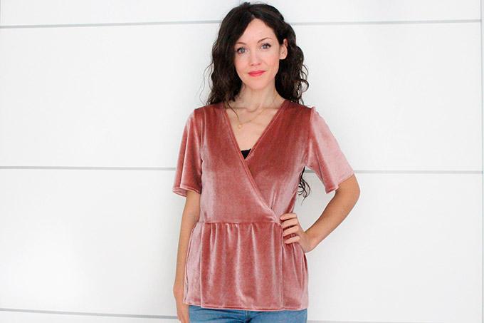 blusa cruzada de terciopelo