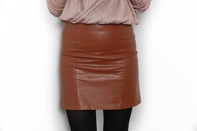 Cómo hacer una falda mini de polipiel